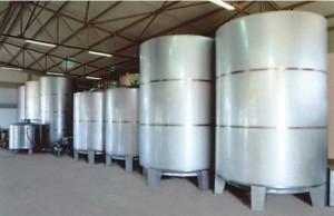 Doppelwandige Stahltanks der Firma Hermes